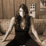 ashley_greene_01