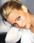 laurie_holden_02