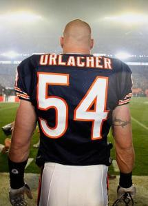 435882-brian_urlacher_chicago_bears