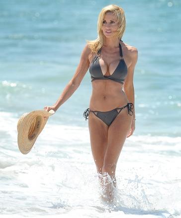 Camille_Grammer_bikini